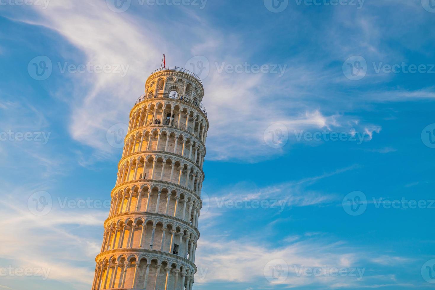 de scheve toren in pisa foto