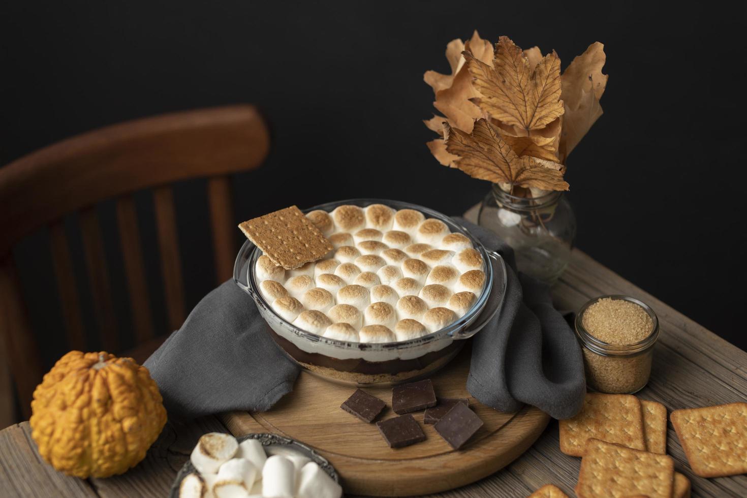 de smakelijke mores desserttafel foto