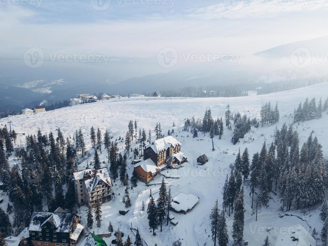 bovenaanzicht van dragobrat in de Karpaten foto