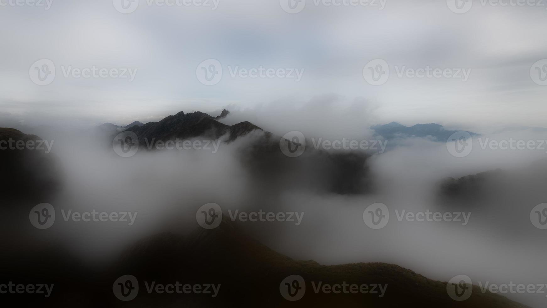 lange blootstelling bergwolkspel foto