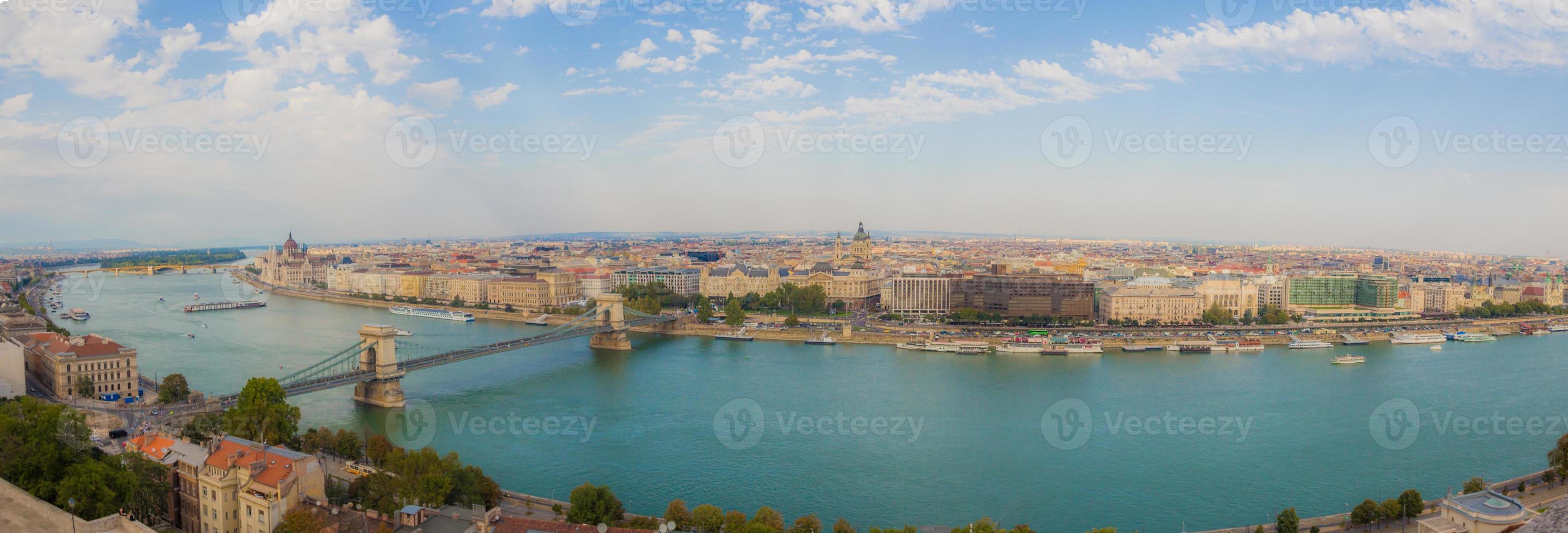 panorama van de stad boedapest, hongarije foto