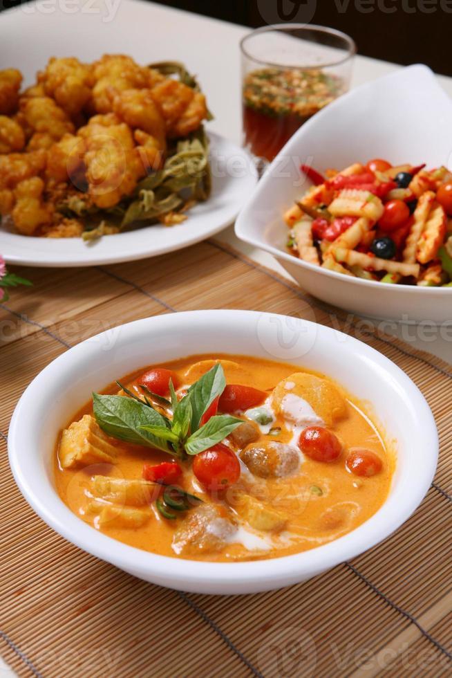 Kang Phed Ped Yang-Thais eten foto