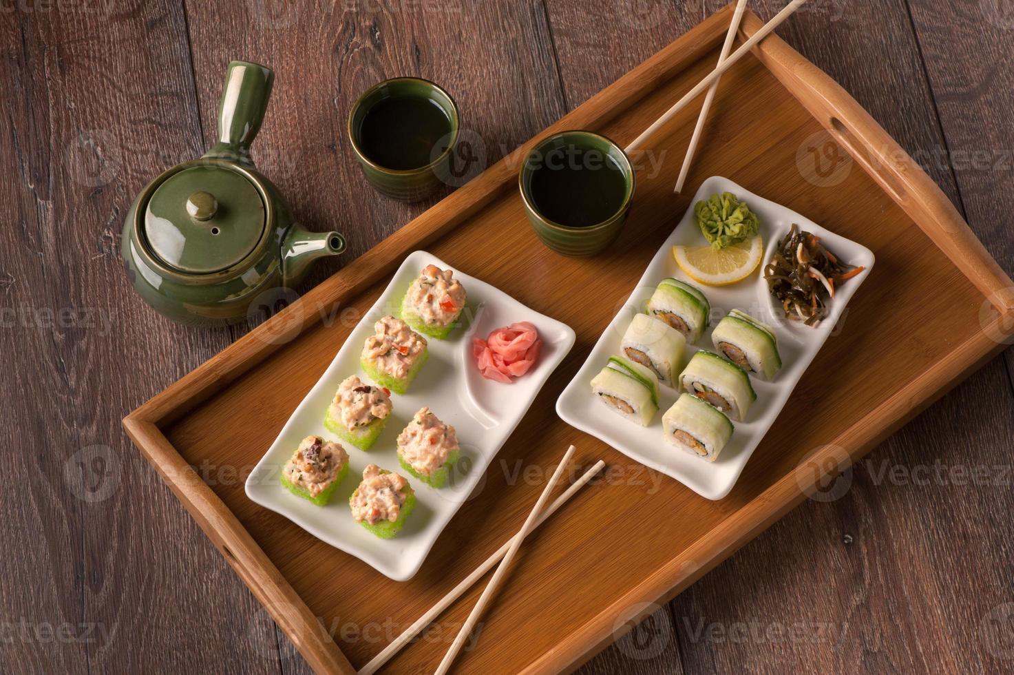 Japanse zeevruchten vegetarische sushi foto