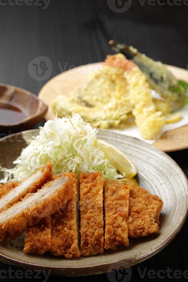 tonkatsu en tenpura foto