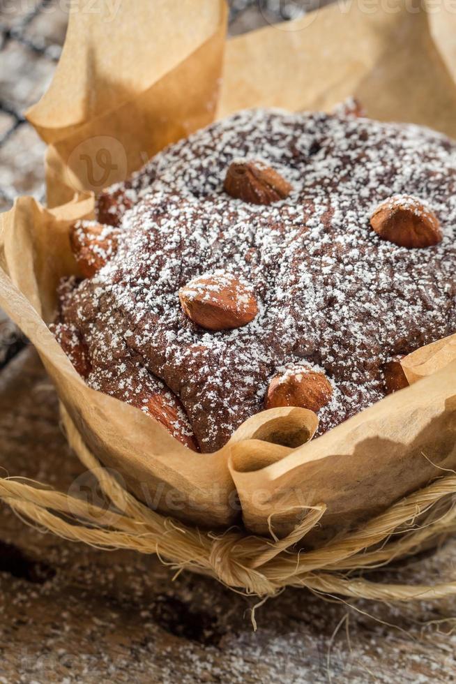 close-up van muffins met poedersuiker en amandelen foto