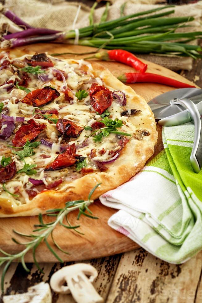 houtoven pizza foto