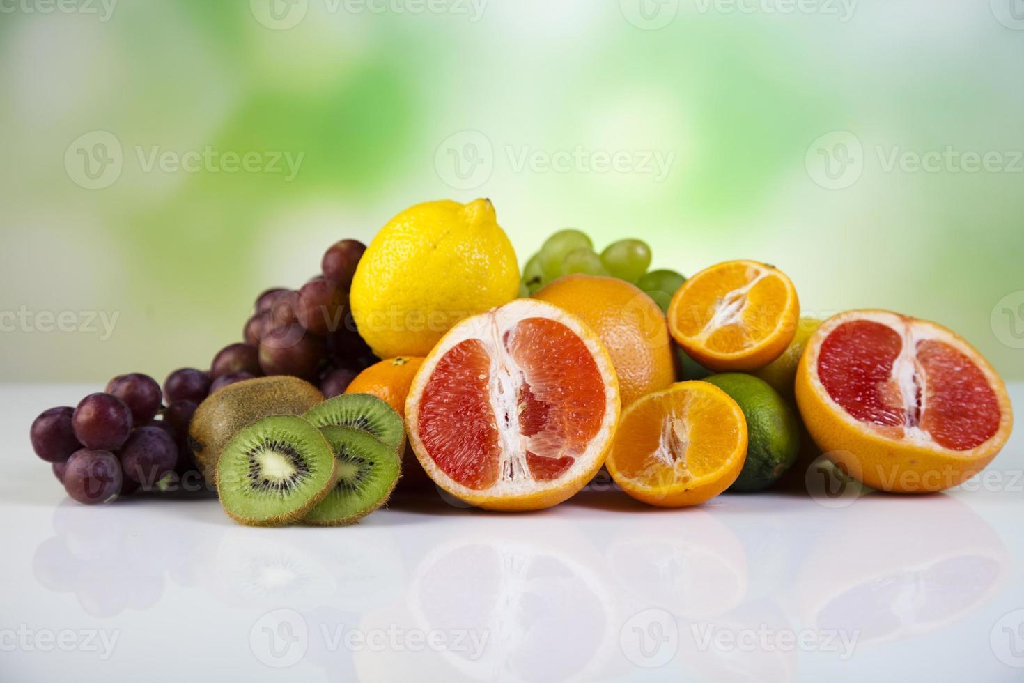 fruit, groenten, vruchtensappen, groentesappen, gezonde voeding foto