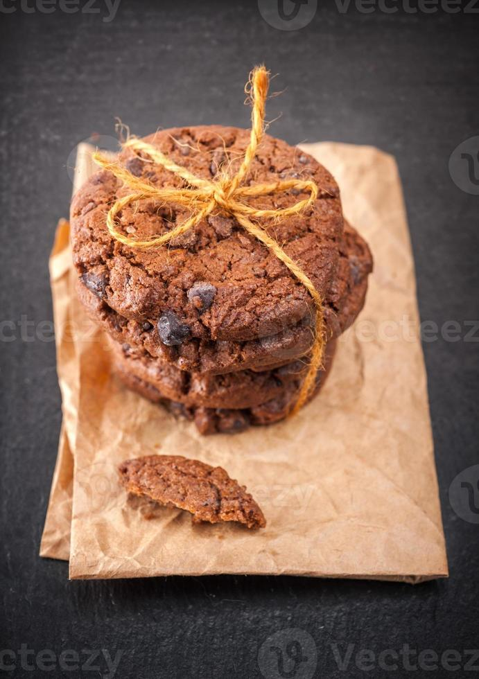 chocoladekoekjes met chocoladeschilfers foto