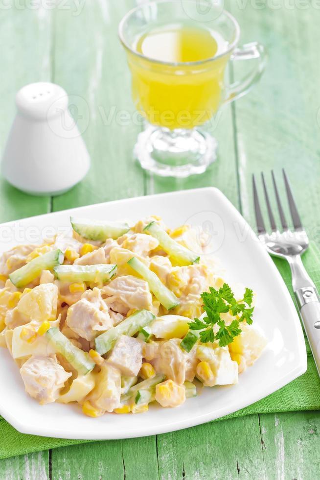 salade met kip en ananas foto