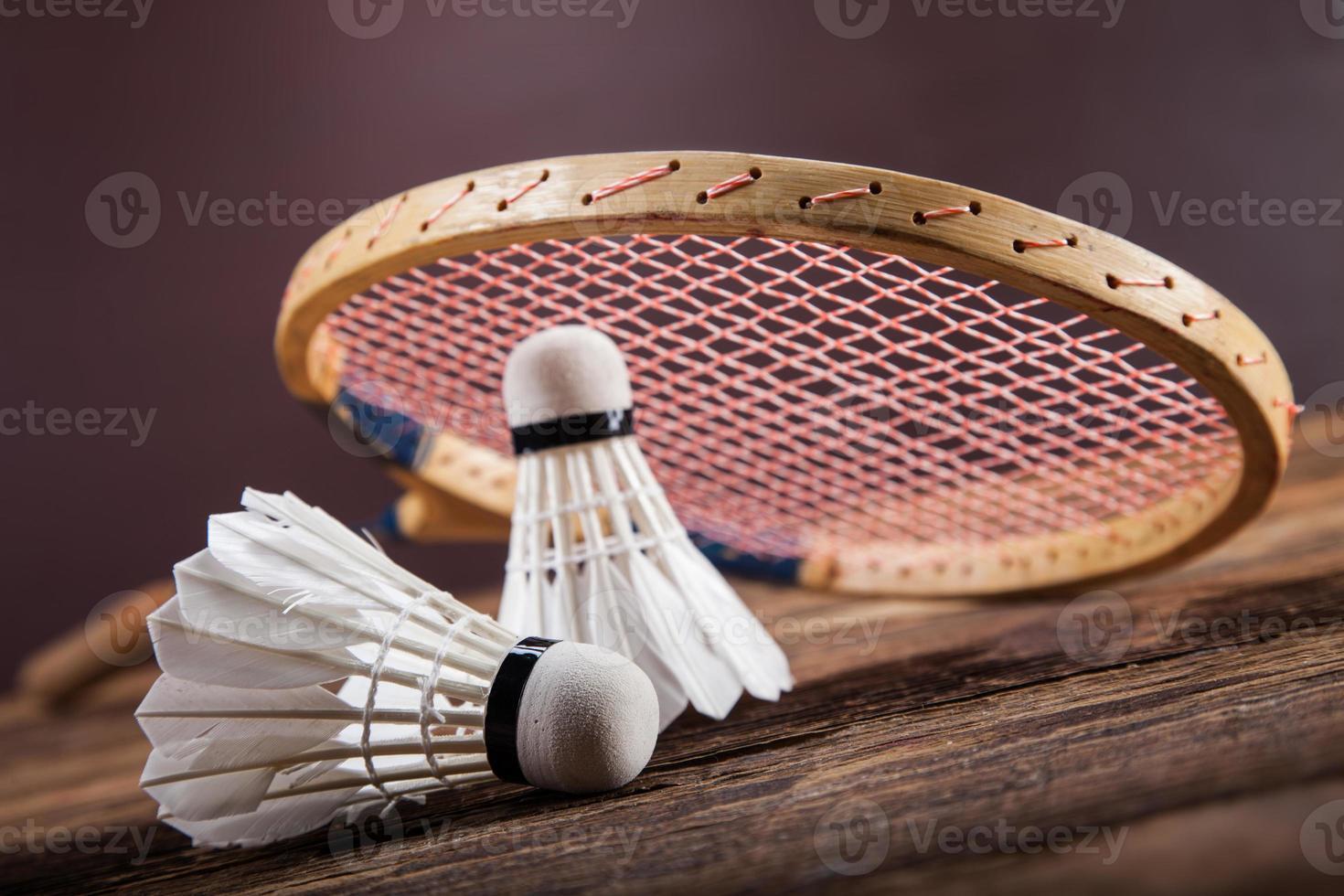 set van badminton. peddel en de shuttle. foto