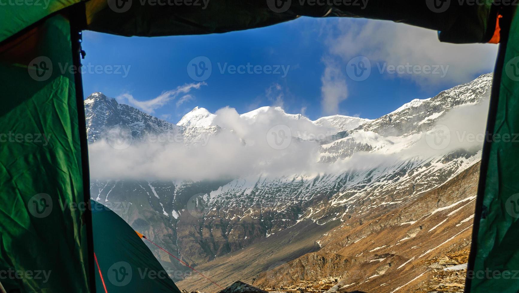 uitzicht vanuit de tent foto