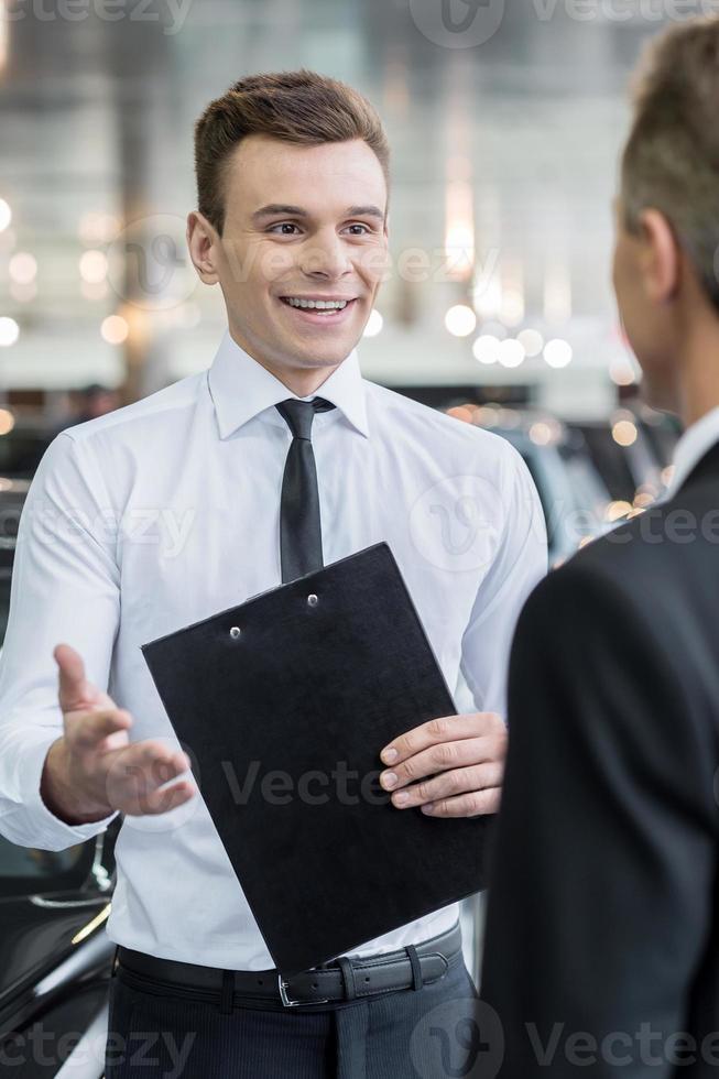 verkoper en klant. foto