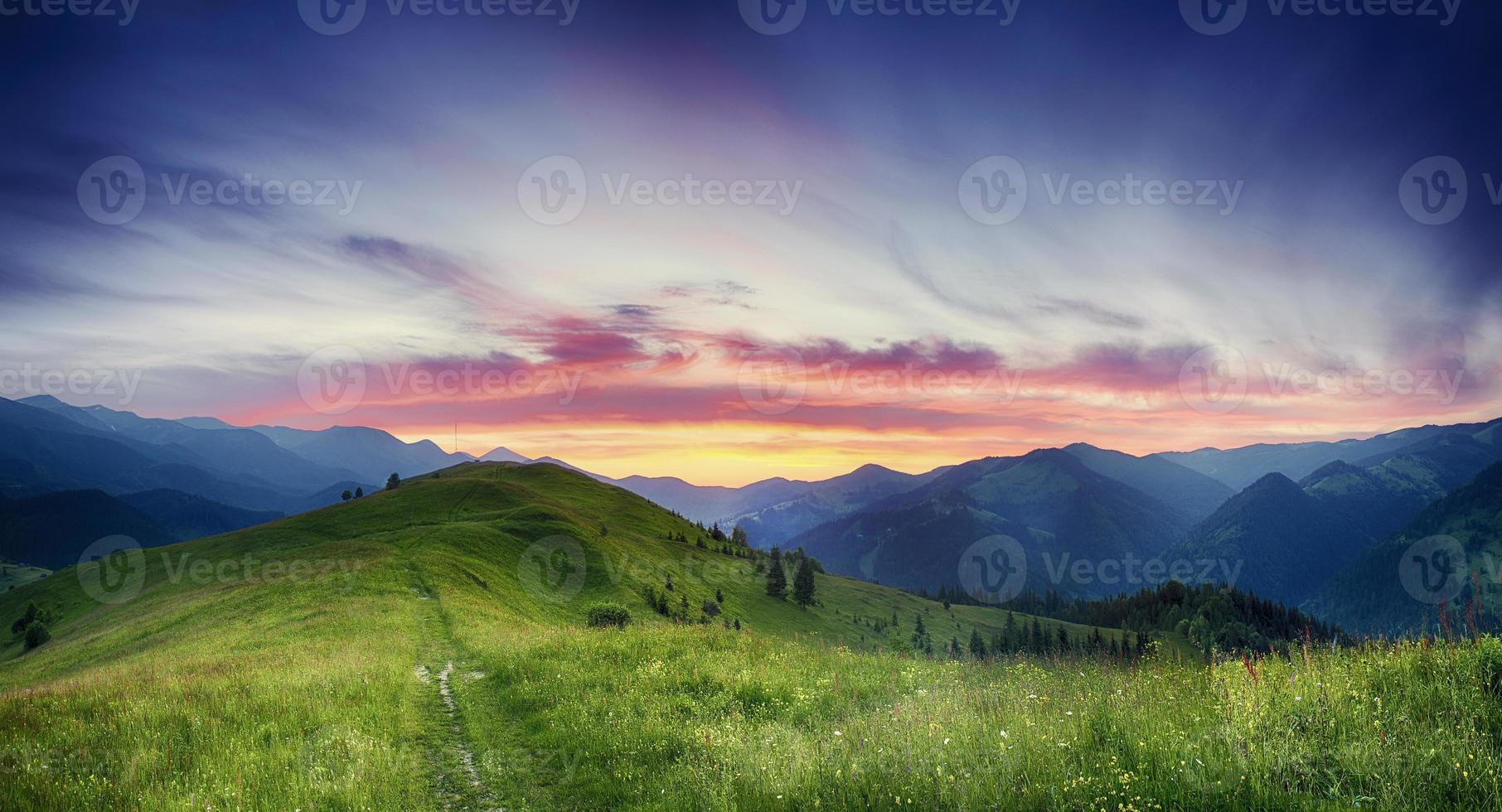 berg zonsondergang foto
