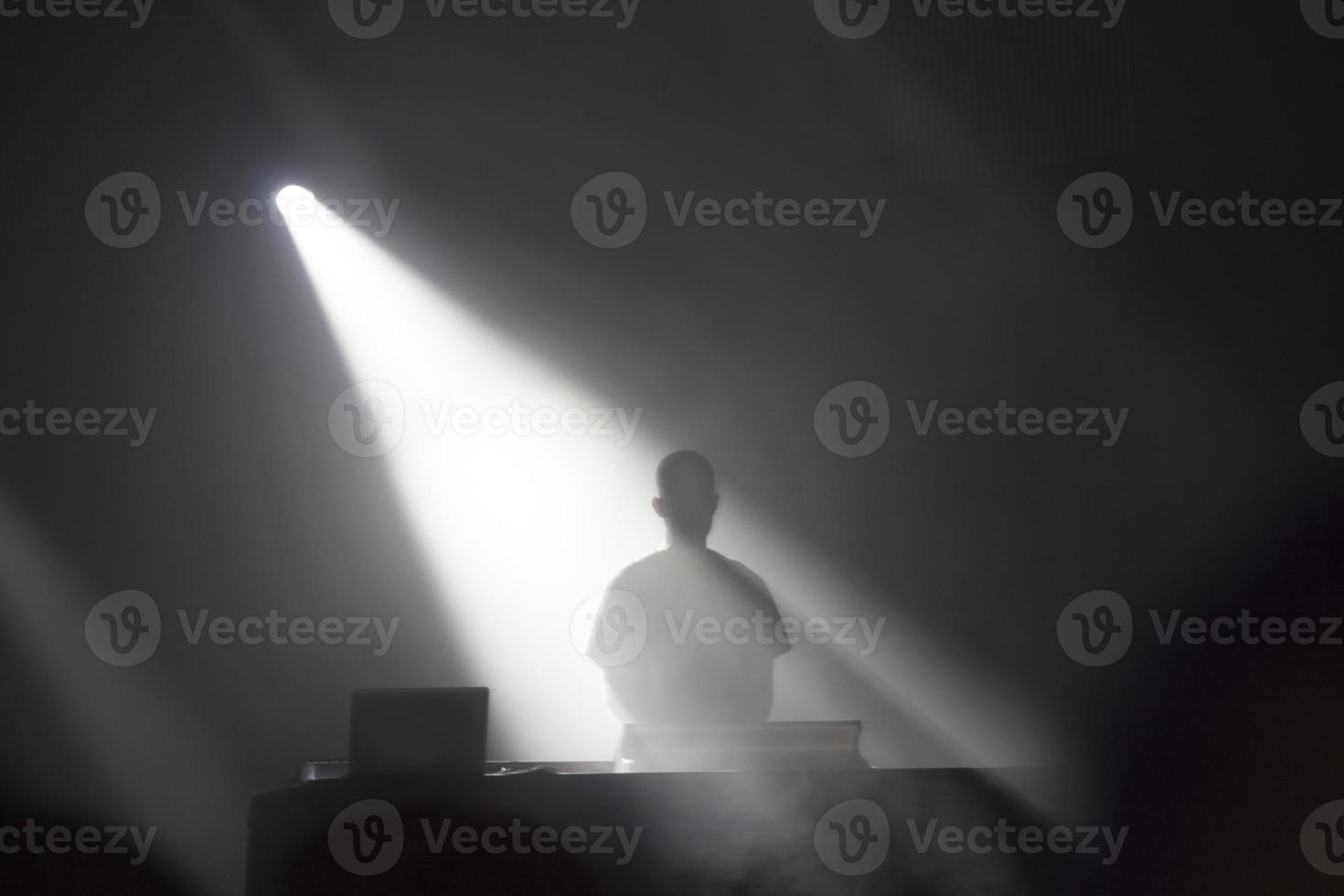 dj in actie foto