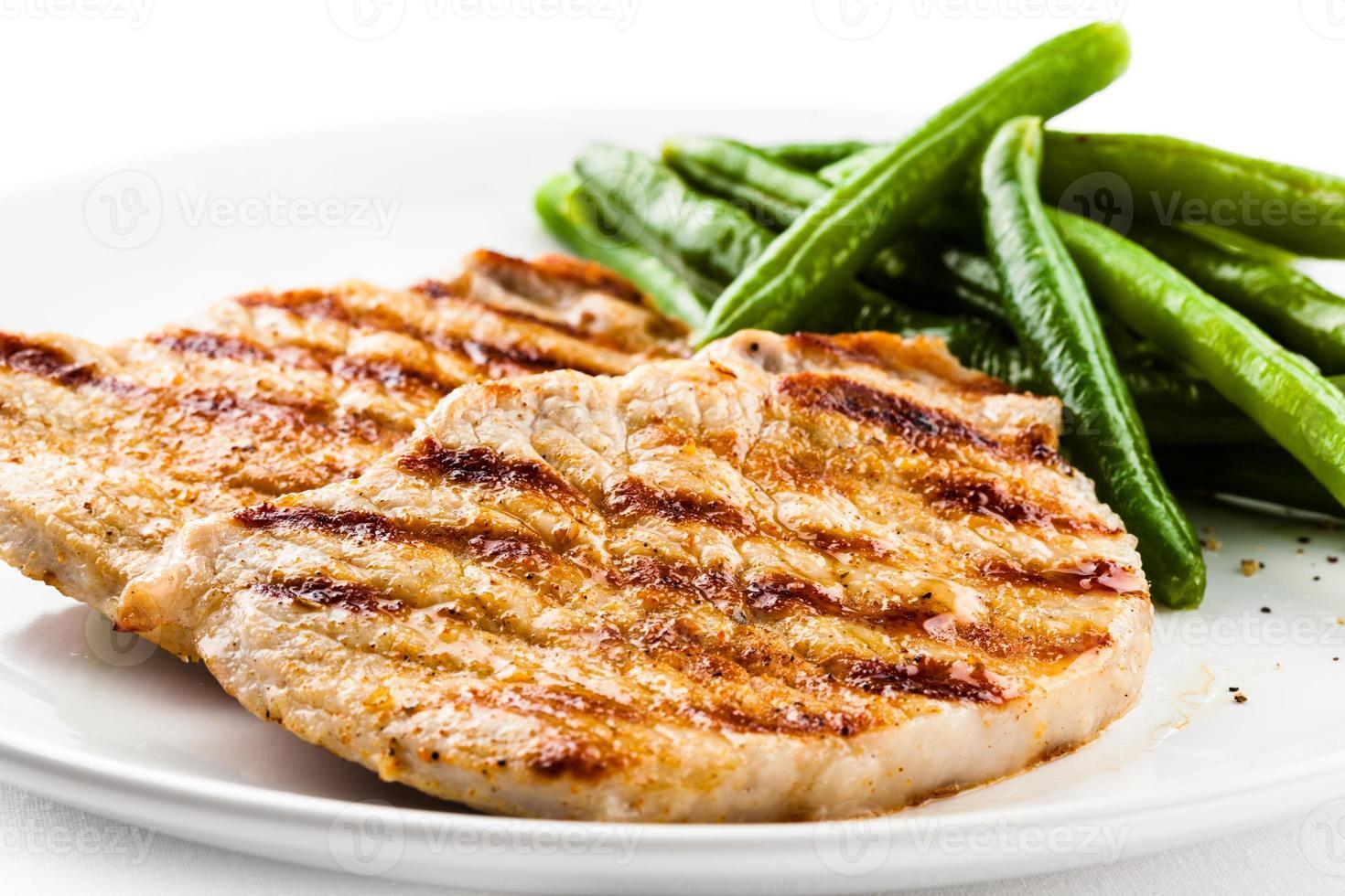 gegrild vlees en grean bean foto