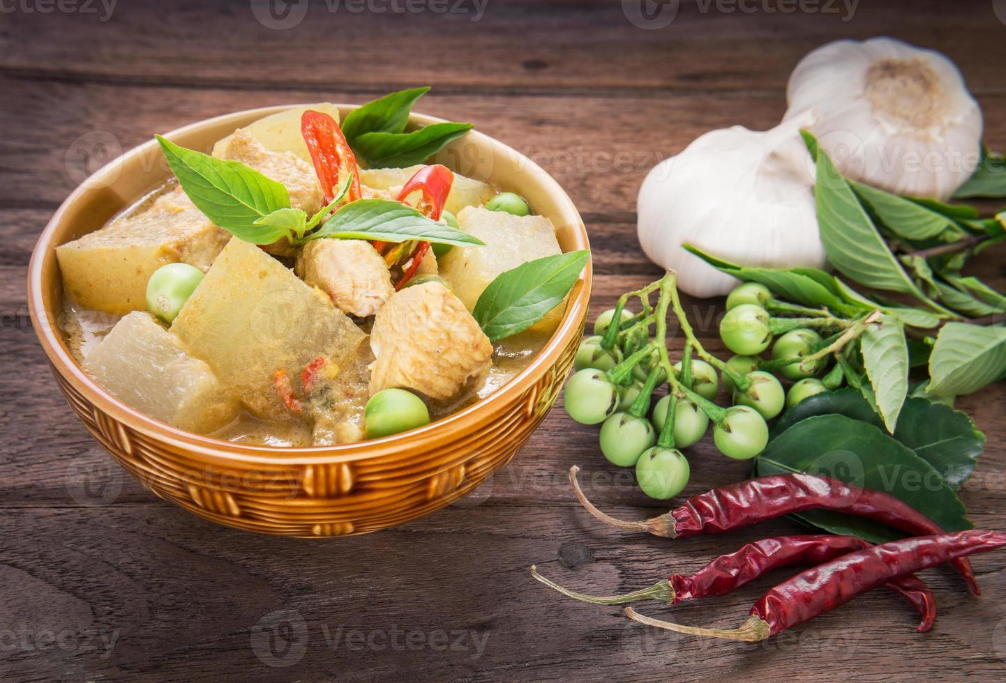 groene kerriekip met waspompoen, Thais voedsel foto