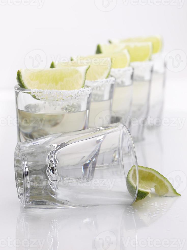 tequilaschoten op een rij foto