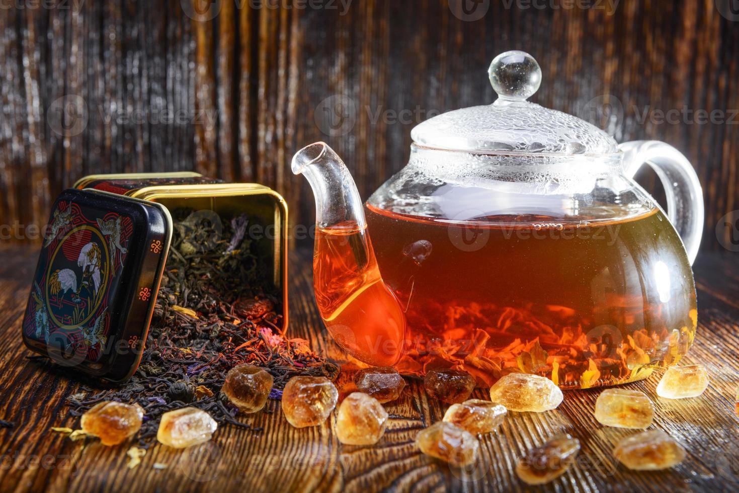 theesamenstelling op een houten achtergrond foto