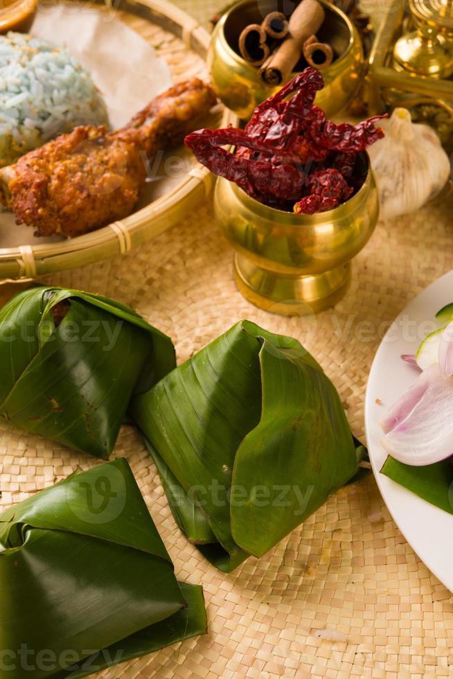 nasi lemak bungkus, een traditionele Maleisische currypasta foto