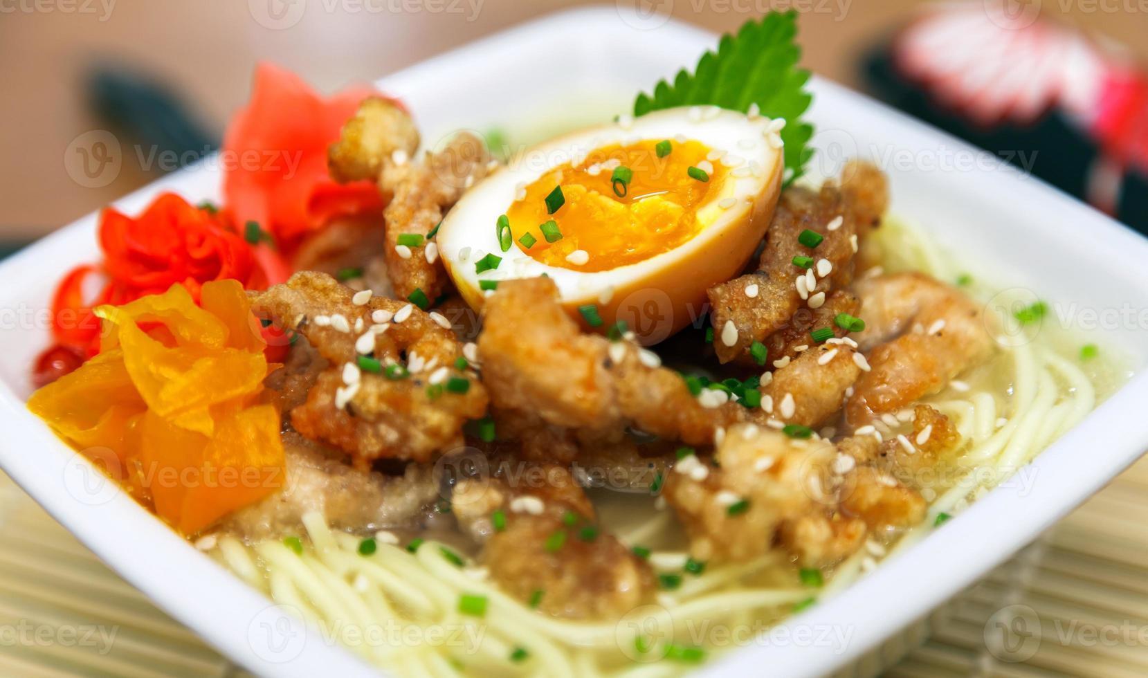 traditionele Japanse kip ramen foto