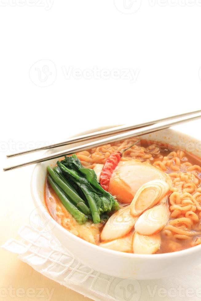 Koreaans eten, pittige noedels foto