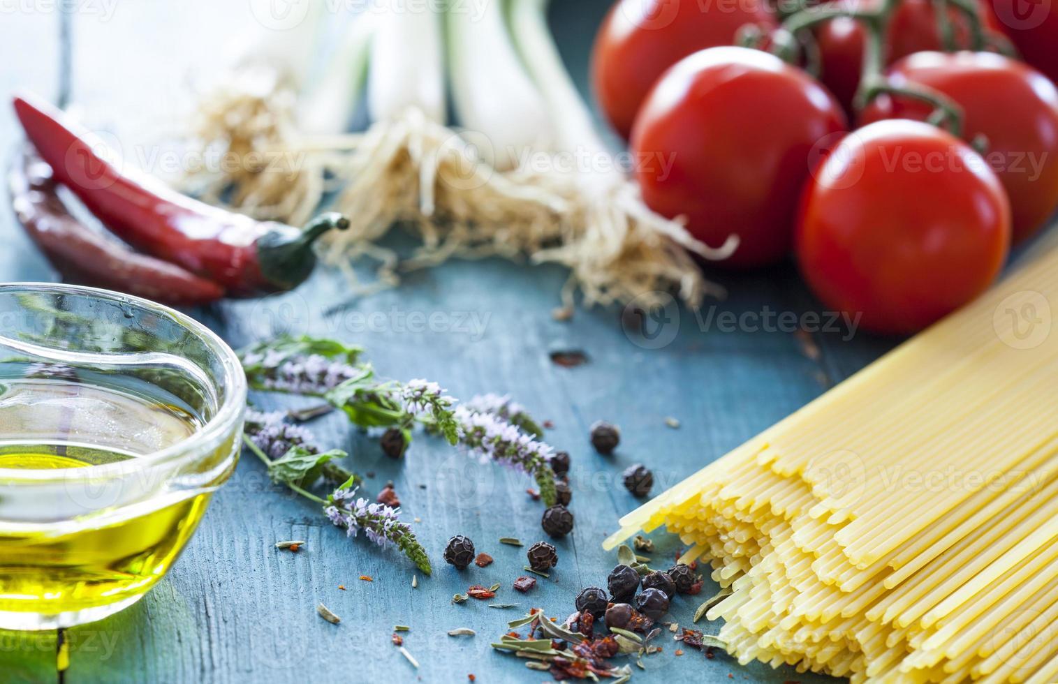 spaghetti en groenten foto