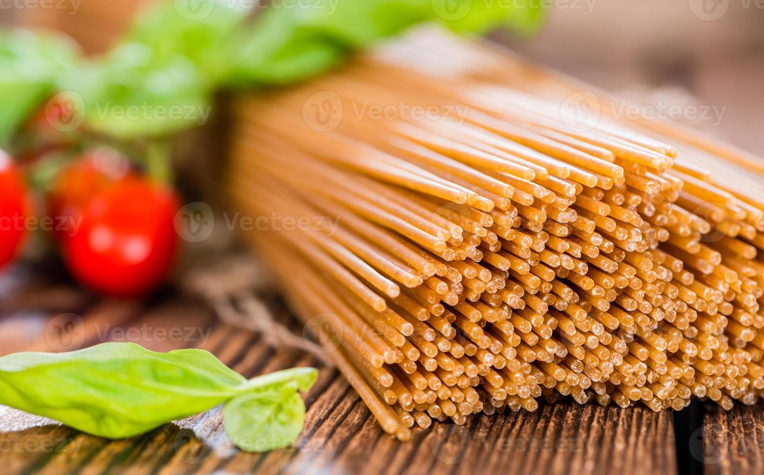 volkoren spaghetti (close-up shot) foto