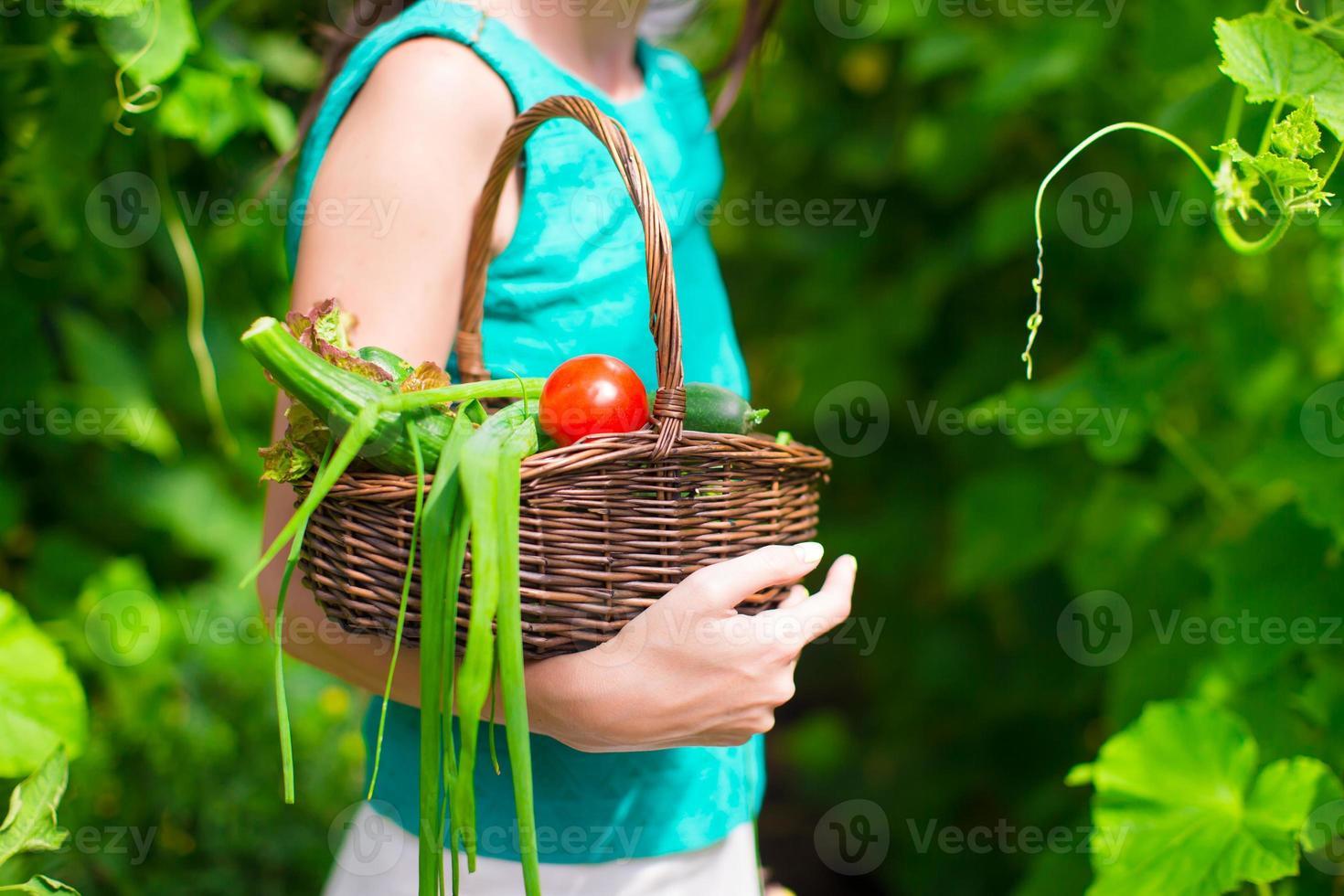 close-up mand van de oogst in handen van de vrouw foto