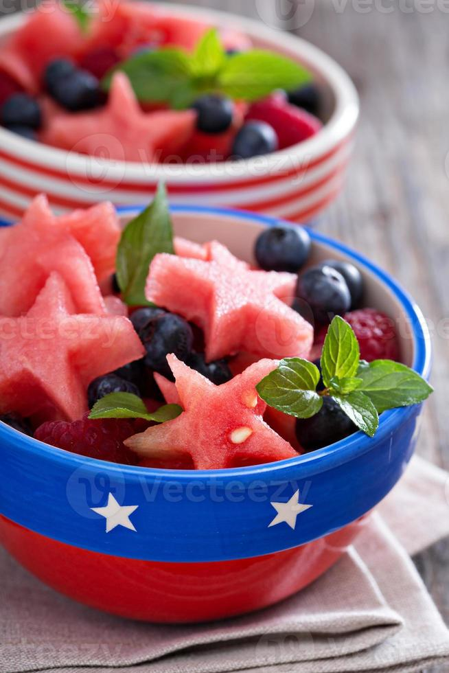 verse watermeloen met bosbessen foto