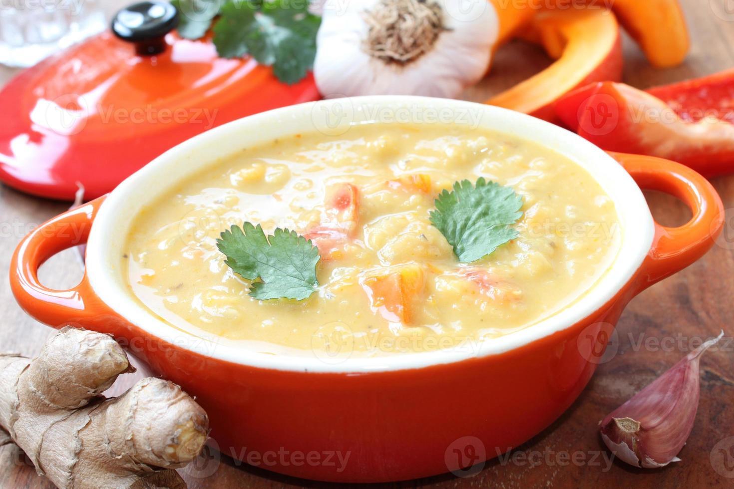 groentesoep met pompoen foto