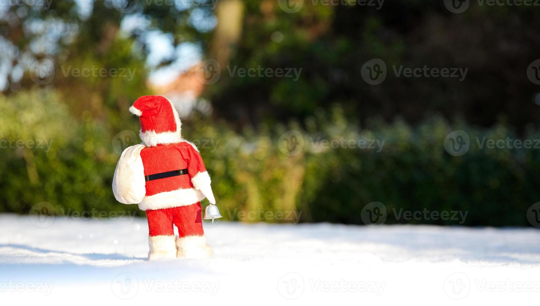 Kerstmis is voorbij, de kerstman loopt weer een jaar weg! foto