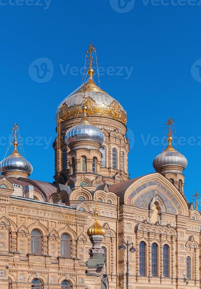 aanname kerk, vasilevsky-eiland, petersburg foto