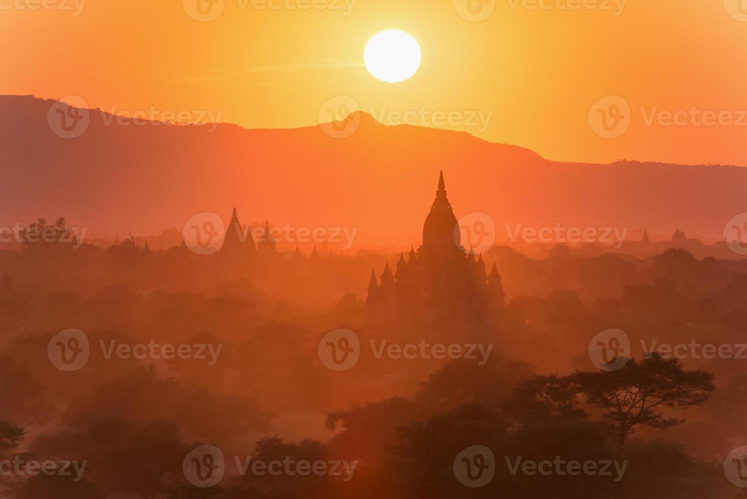 de tempels van bagan (heidens), mandalay, myanmar foto