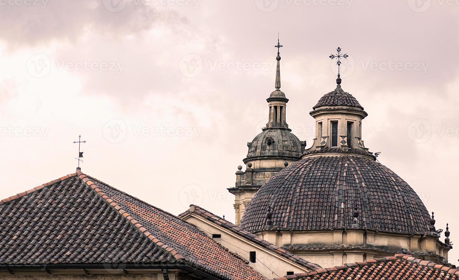 kathedraal op zonsondergang derde uitzicht foto