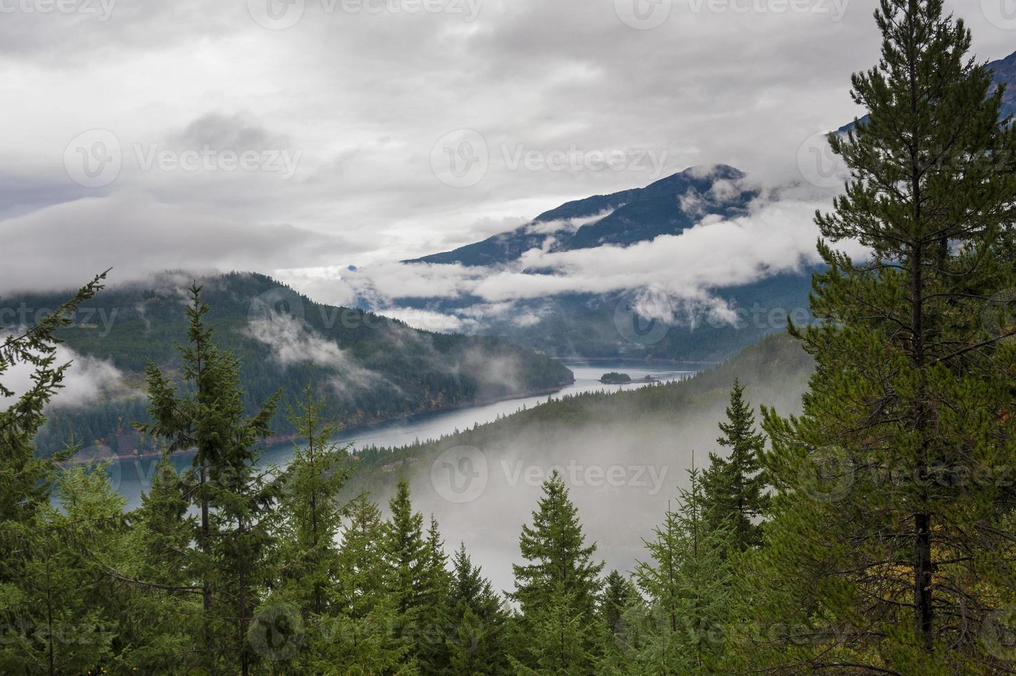 Ross Lake in de herfst foto