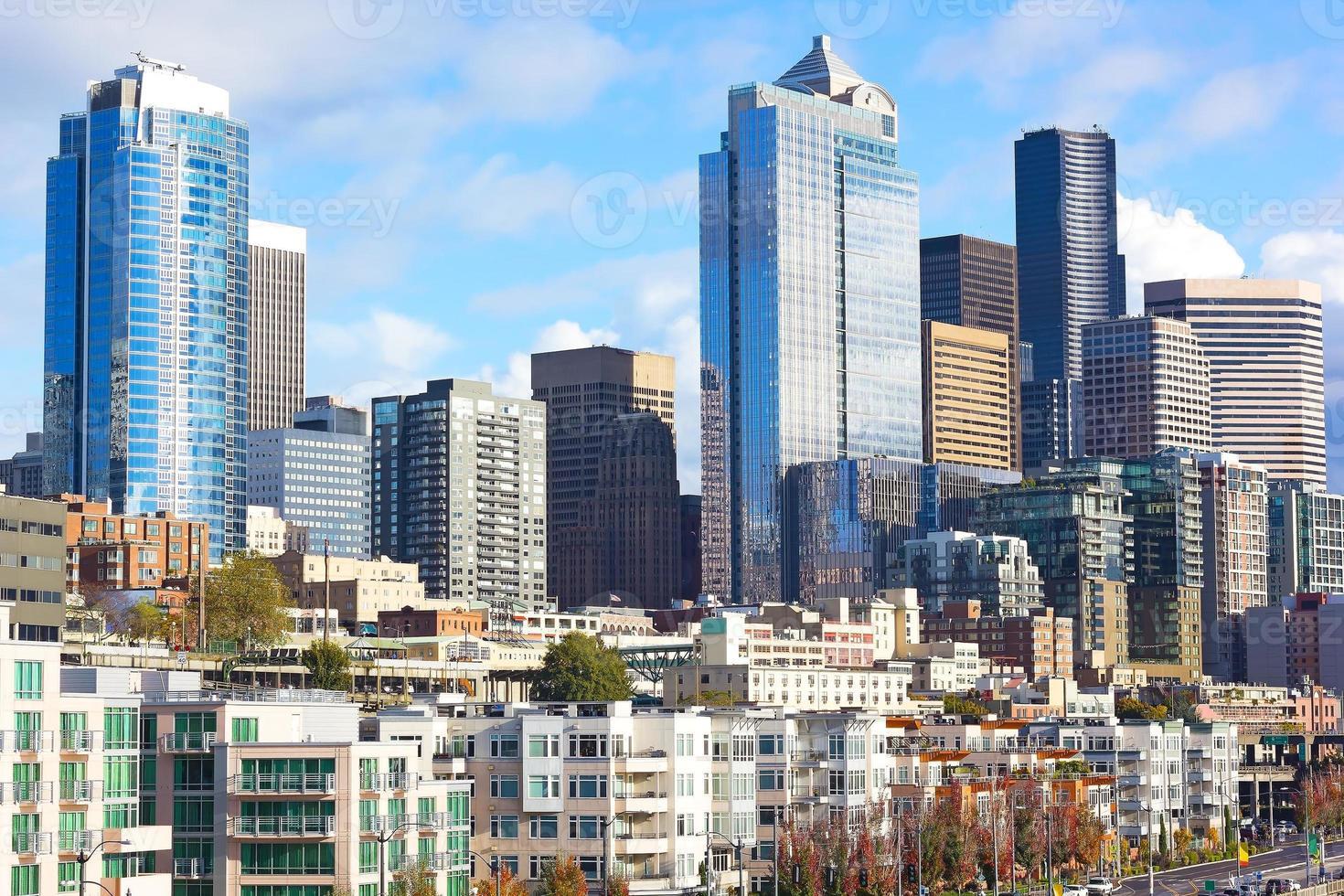 zicht op Seattle centrum vanaf de pier. foto