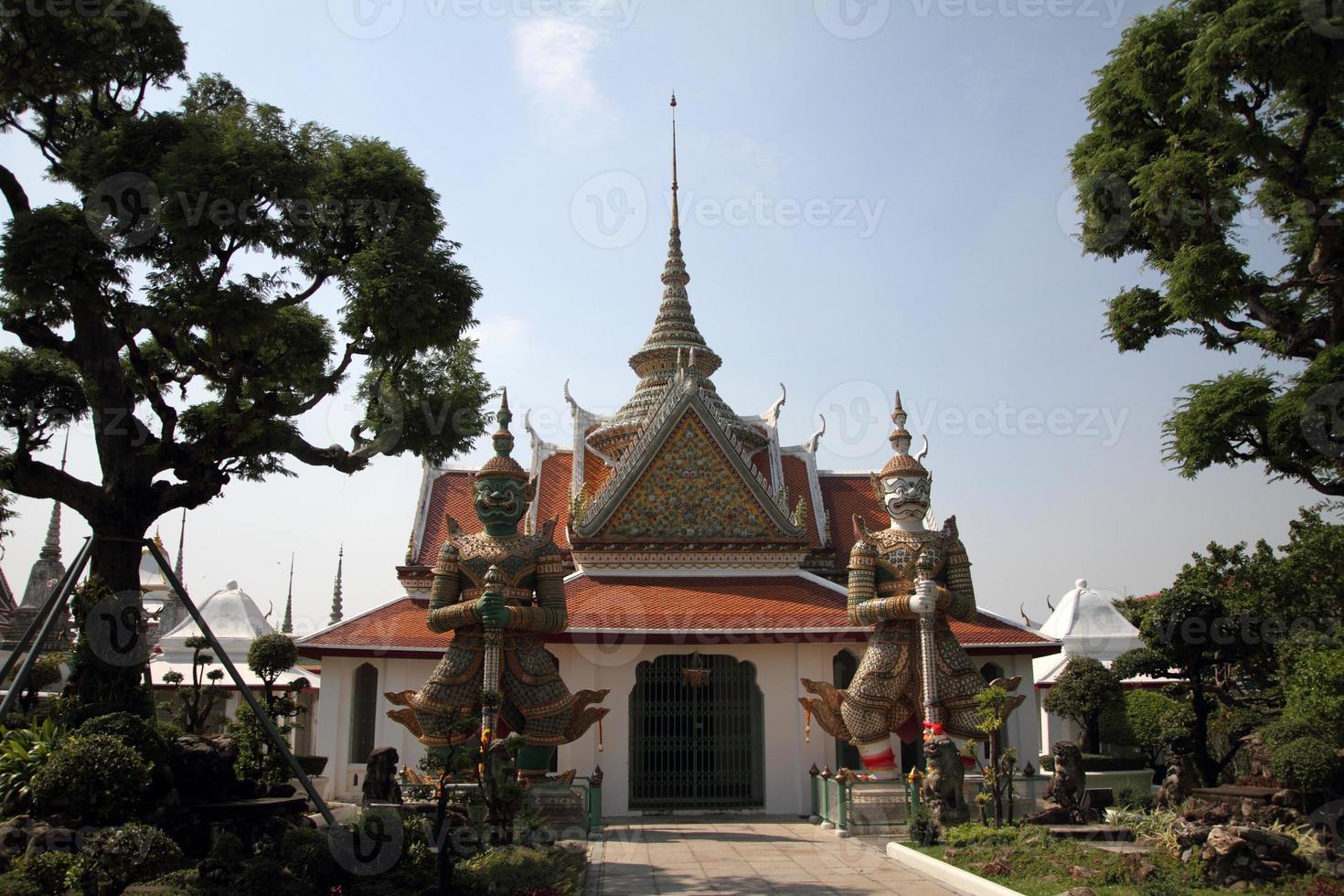 wat arun in bangkok, thailand foto