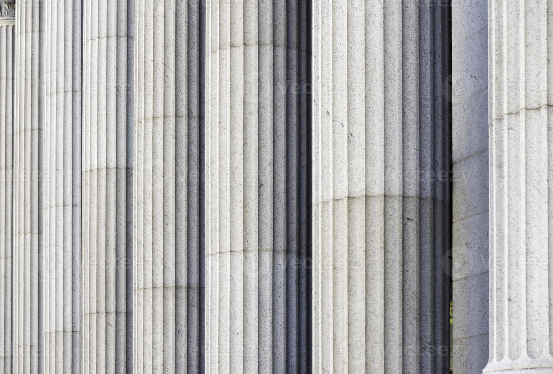 klassieke kolommen in een overheidsgebouw in New York foto