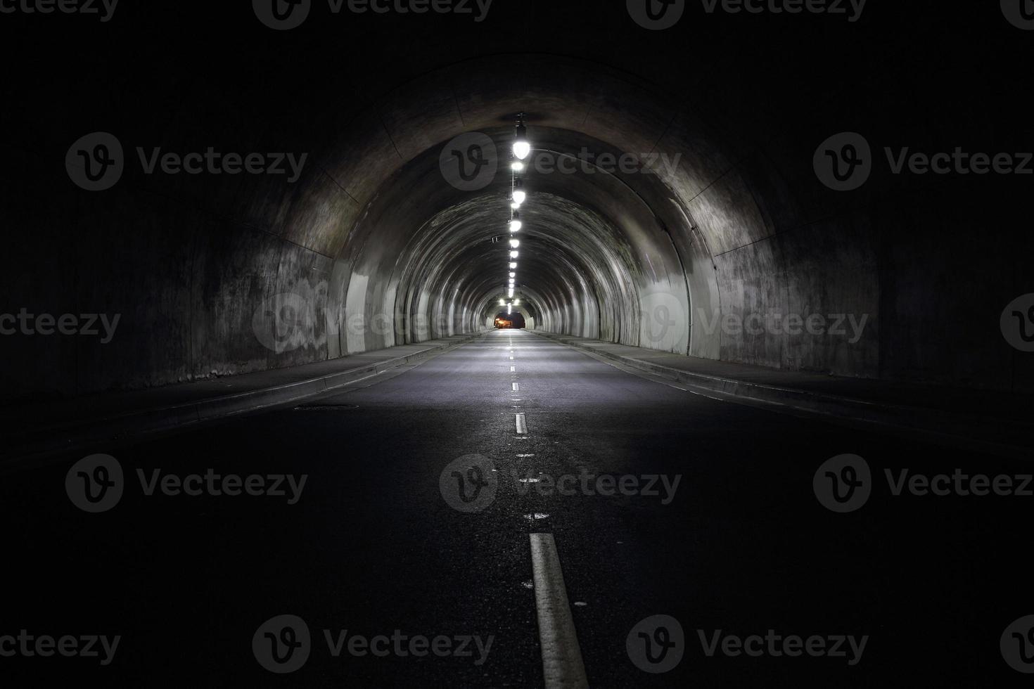 lange tunnel foto