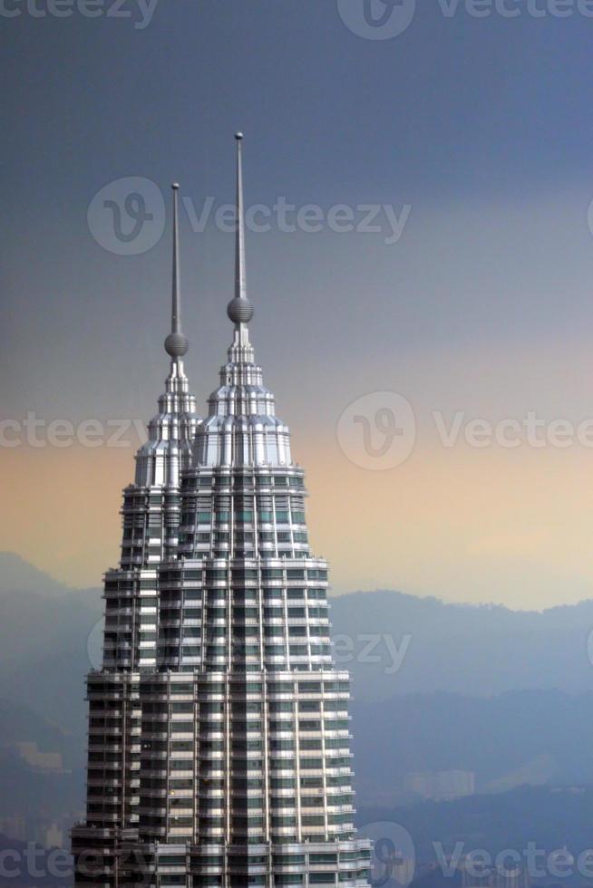 petronas twin towers in maleisië, kuala lumpur foto