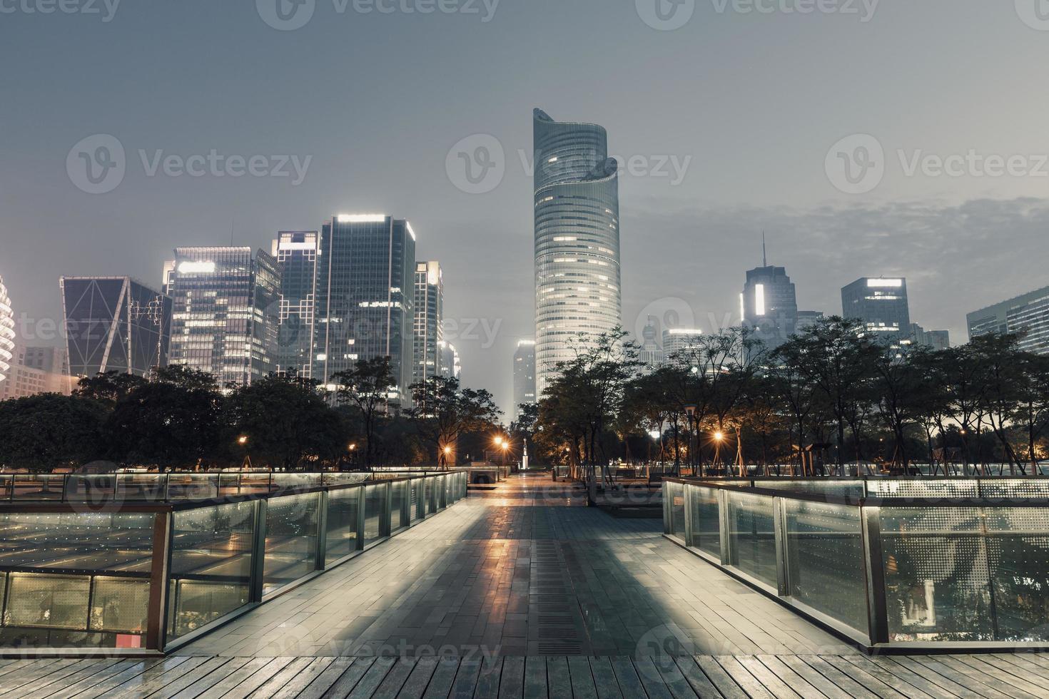 nacht stad landschap in Hangzhou, China foto