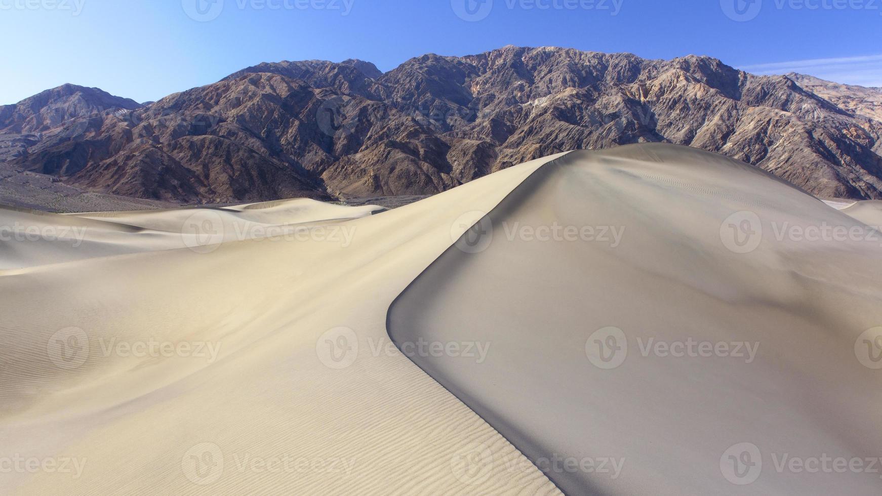 duinen in death valley foto