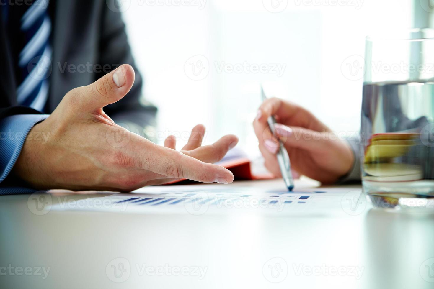 discussiëren over papier foto