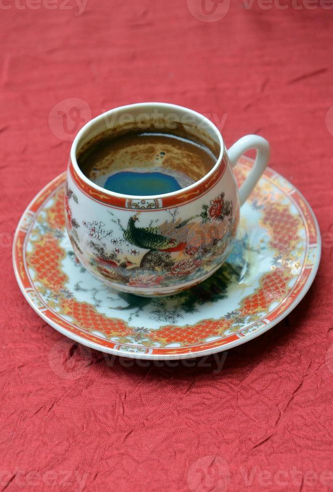 Turkse koffie in een Chinese pot foto