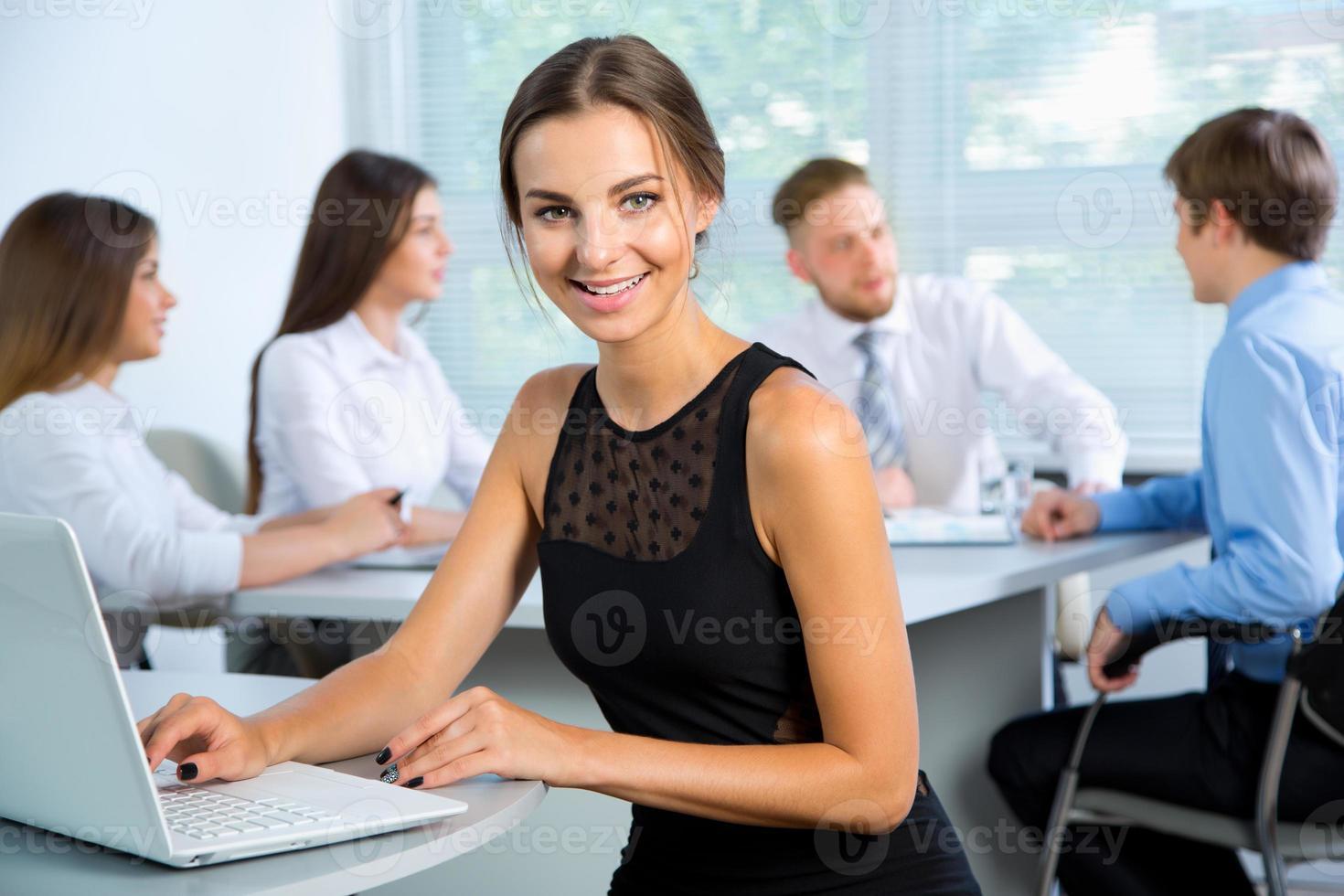 mensen uit het bedrijfsleven met zakenvrouw leider foto
