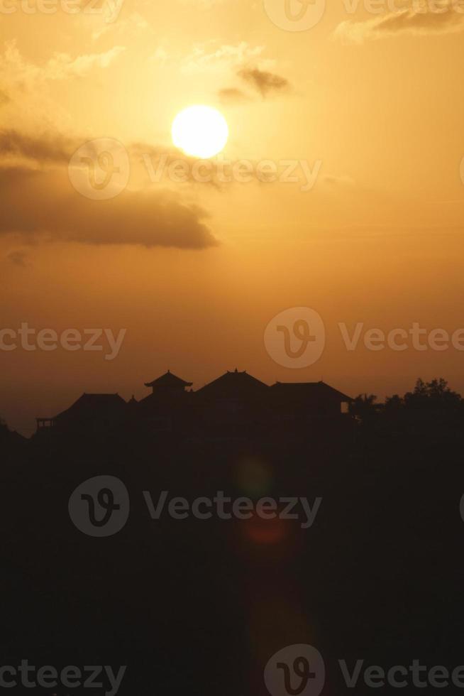 zonsondergang in Bali foto