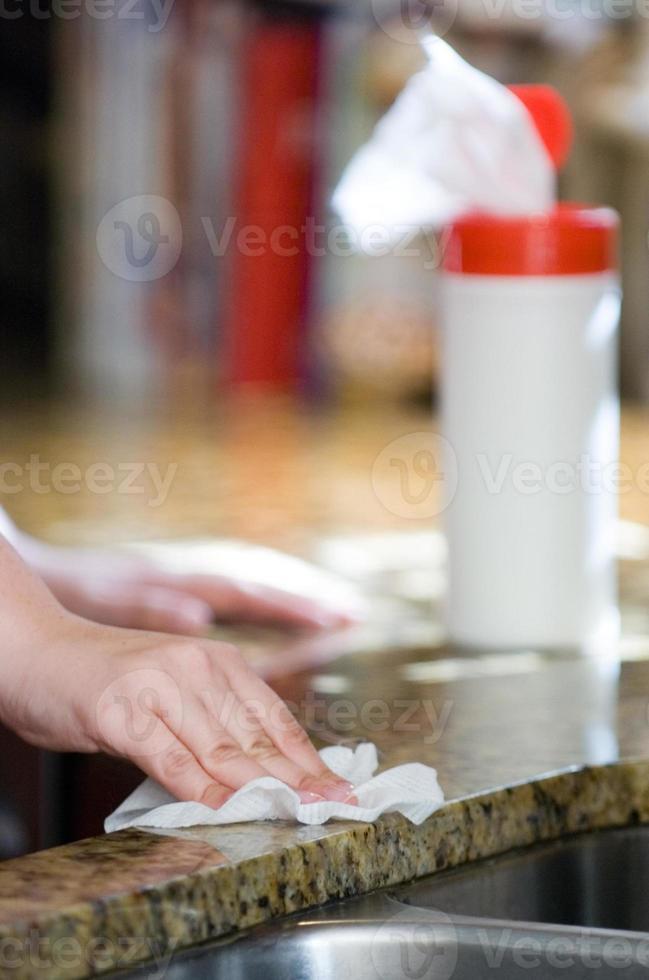 afwasteller met desinfecterend doekje foto
