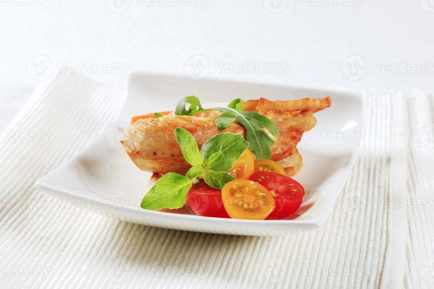 kippenvlees en krokant brood foto