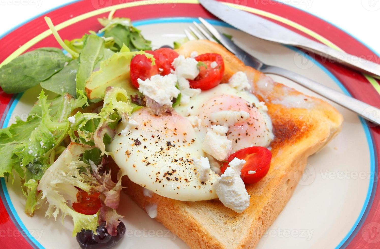 gebakken ei op toast foto