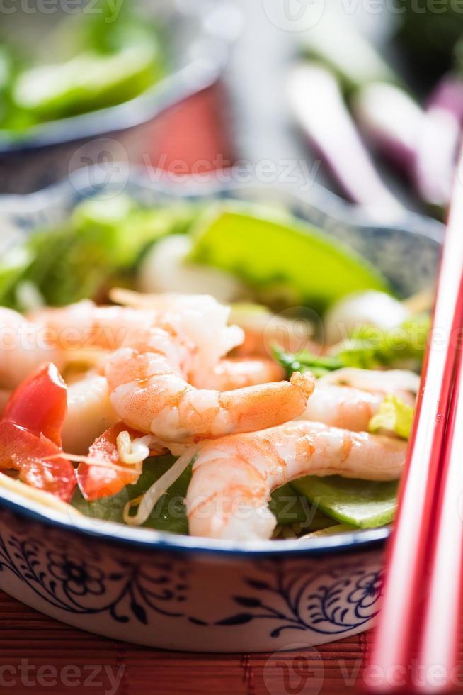 zeevruchten chow mein Aziatische stijl gerecht foto